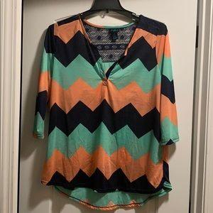🎄Rue21 Chevron pattern blouse